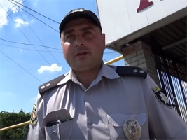 Погоня в Мелитополе: сотрудник полиции на большой скорости сбежал от активистов (видео)